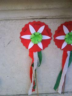 Kreatív ötletek március 15-ére - Színes Ötletek Turkey Holidays, Crafts For Kids, Arts And Crafts, Board Decoration, Art N Craft, Color Crafts, National Holidays, Republic Day, School Decorations