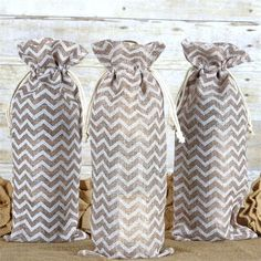 x Jazzy Chevron Jute Burlap Favor Bags - White / Natural - ChairCoverFactory Wedding Favor Bags, Party Favor Bags, Gift Bags, Favor Boxes, Chevron Burlap, Burlap Fabric, Jute, Burlap Favor Bags, Burlap Sacks