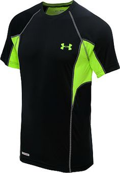Designed with UNDER ARMOUR®'s lightest weight fabrication, the men's HeatGear® Flyweight fitted short-sleeve t-shirt is the closest you'll get to wearing nothing at all.