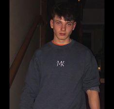 Fig Rolls, Life Goals, Wallpaper, Boys, Mens Tops, T Shirt, Baby Boys, Supreme T Shirt, Tee Shirt