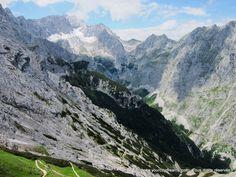 Bavière: Partnachklamm, près de Garmisch Partenkirchen est riche en paysages alpins magnifiques et offre de nombreuses possibilités de randonnée - Hiking in the mountains in Bavaria - Wanderung in Bayern - https://www.yourcitydreams.com/voyage-en-baviere/activites/ - #Alpesbavaroises #Allemagne