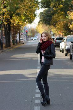 🍂 Bomber Jacket, Winter Jackets, Autumn, Fashion, Winter Coats, Moda, Winter Vest Outfits, Fall Season, Fashion Styles