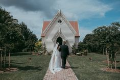 St Andrews Church - Stables {Matakana} Alexandra & James wedding {Weddings photographers based in Auckland}  http://www.levienphotography.com/blog/2018/1/19/st-andrews-church-stables-matakana-alexandra-james-wedding-auckland-weddings-photographers