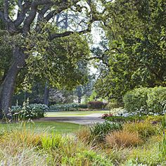 Sunset's garden is open for free, self-guided tours from 9 a.m. to 4 p.m. Mon-Fri. 80 Willow Road, Menlo Park, CA. (650) 321-3600... http://www.sunset.com/garden/landscaping-design/sunset-garden-tour-00400000015024/#
