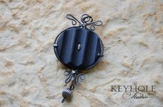 forging memories Bronze, Clay, Craft Ideas, Memories, Sculpture, Personalized Items, Artist, Crafts, Clays