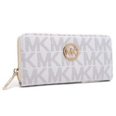 you like Michael Kors wallet,so does she. Valentine's Day gifts $42