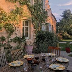 Cottage core Mary Gidman - hanglage terrasse Mary Gidman Should You Take a Kit Model Architecture, Architecture Design Concept, Nature Aesthetic, Summer Aesthetic, Aesthetic Bedroom, Aesthetic Vintage, Travel Aesthetic, Aesthetic Food, Tyni House