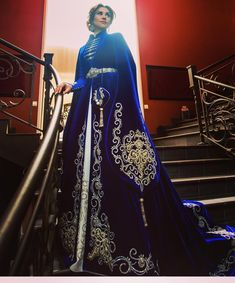 Pretty Outfits, Pretty Dresses, Beautiful Outfits, Fantasy Gowns, Queen Dress, Moda Casual, Medieval Dress, Traditional Dresses, Costume Design