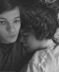 One Direction Harry, One Direction Humor, One Direction Pictures, Larry Stylinson, Louis Tomlinsom, Louis And Harry, Larry Shippers, Wattpad, Harry Edward Styles