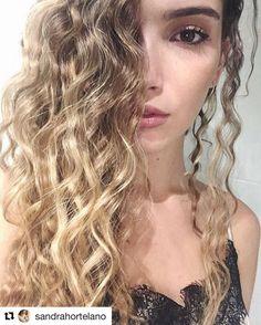Divina Sandra! Este es el peinado que se te queda al quitarte las #boxingbraids ❤️❤️ #Repost @sandrahortelano ・・・ Hair by: @evapellejero ❣