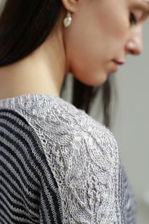 A jumper with all the good things we love in knitting! A little bit of Japanese lace (which knits up really quickly), stripes, a really cool construction and at the end a plain stockinette section for mindless TV knitting.