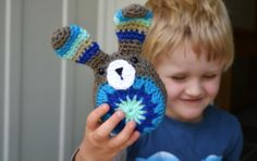 Crochet bunny (free pattern) omg cute! gotta make some for my sis in different colors!