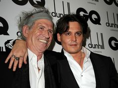 Today, who blow out the candles is the great guitarist, Keith Richards, who is also a great friend of Johnny and the father of captain jack haha. Happy Birthday Keith Richards! ! 73 years of very rock ' n roll!