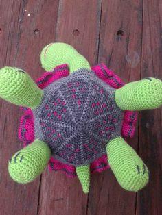 Free #Crochet Tortoise Pattern Translation