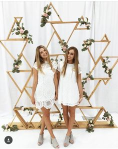42164958 Pin by Gabrielle McKeithan on College Life Sorority - DIY and crafts Sorority Recruitment Decorations, Sorority Rush, Sorority Crafts, Sorority Life, Sorority Recruitment Outfits, Sorority Canvas, Sorority Paddles, Tri Delta, Delta Gamma