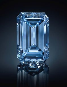 "It's a hot week for colored diamonds at auction, with the Oppenheimer Blue diamond stealing the ""World's Most Expensive Jewel Ever Sold at Auction"" Title away from a unique pink stone that had claimed the title at auction just the day before. Lab Diamonds, Colored Diamonds, Royal Jewelry, Diamond Jewelry, Jewellery, Tiffany Jewelry, Best Diamond, Diamond Cuts, Cobalt"