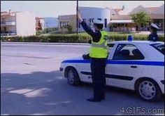 Funny pictures about These Are Really Friendly Cops. Oh, and cool pics about These Are Really Friendly Cops. Also, These Are Really Friendly Cops photos. Funny Shit, Funny Cute, The Funny, Funny Jokes, Hilarious, Funny Gifs, Humor Mexicano, Best Funny Pictures, Funny Photos