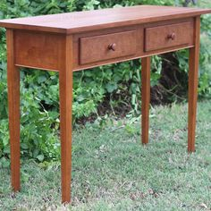 #TBT This shaker style hall table is made out of beautiful cherry wood with hand turned knobs. Another memorable 4-H project and time spent in the shop!  #handcrafted #woodworking #uniquelymesquite #4H #texas4h #cherrywood #table #halltable #handmade #woodwork #handmadeisbetter @bosscrafts #bosscarfts #creativehappylife #ourbestfinds #etsyscout #etsyguidebook #etsygift #creatorslane #wearecraftcount #dowoodworking #finewoodworking #tree  @all_the_good_wood #shaker de uniquelymesquite