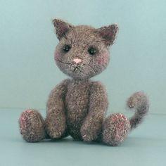 adorable crochet mohair cat, free pattern
