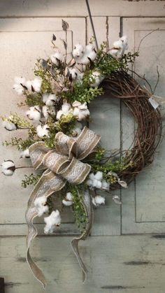Adorable Christmas Wreath Ideas For Your Front Door 26