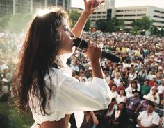 4 Things Selena Quintanilla Taught Me About Being Mexican-American Selena Quintanilla Perez, Corpus Christi, Selena Mexican, Mac Selena, Selena And Chris, Selena Pictures, Mexican American, Hollywood Walk Of Fame, Her Music