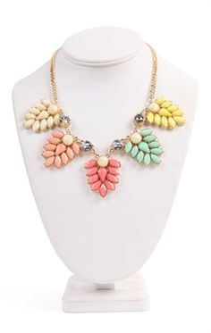Short Statement Necklace with Multicolor Stone Design