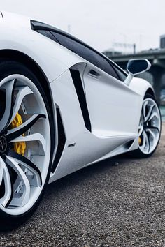 "re-disorganized: "" White Lamborghini Aventador on Vellano Wheels """