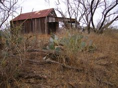 Abandoned Old Buildings, Abandoned Buildings, Old Cabins, Abandoned Homes, Better Life, Ghosts, Old Houses, Barns, Adobe
