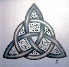 Resultado de imagem para abstract triquetra tattoo