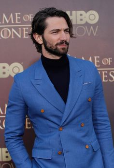 Different Beard Styles, Beard Styles For Men, Hair And Beard Styles, Long Hair Styles, John Slattery, Michael Huisman, Tom Ford, Modern Suits, European Men