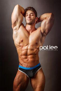 Alex Davis Photo by Pat Lee Pat Lee, Alex Davis, Fitness Models, Hot Hunks, Muscle Men, Male Beauty, Mens Fitness, Body Fitness, Gorgeous Men