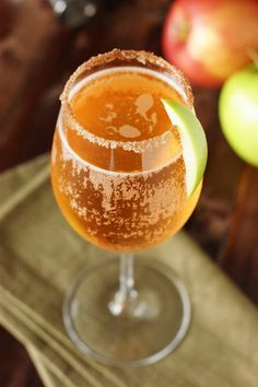 Sparkling Apple Pie Cocktail ~ a perfect Fall cocktail! #TLHoneyGranulesCG #ad  www.thekitchenismyplayground.com