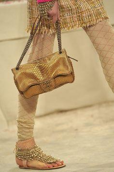 Fashion Show: Детали и подробности: *Paris-Bombay* Chanel Pre-Fall 2012/2013