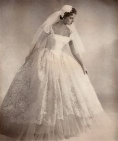 1361 Best Wedding Gowns 1900 1999 Images Wedding Gowns Vintage
