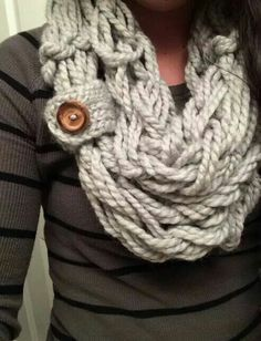 This is the cutest scarf ever!