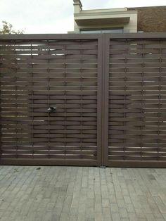 19 Stunning modern gate design ideas - Local Home US - Home Improvement Front Gate Design, Door Gate Design, House Gate Design, Railing Design, Fence Design, Front Gates, Entrance Gates, Gate Designs Modern, Modern Gates