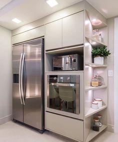 """5,185 curtidas, 41 comentários - Cozinhas, Decor e Arquitetura (@ideias_para_cozinha) no Instagram: """"Que tal essa cozinha? 😍 Eu amei, o que vocês acharam? Projeto: Monise Rosa - Sigam…"""" Kitchen Dining, Kitchen Decor, Dream House Exterior, French Door Refrigerator, Home Goods, New Homes, Kitchen Appliances, Kitchens, House Design"""