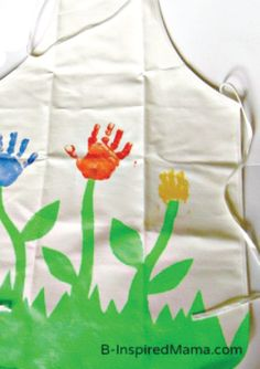Paint on the fun for a DIY handprint apron for spring.