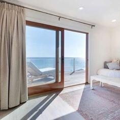 Leo-DiCaprio-Lists-Home-For-Sale-In-Malibu-CA-Sunroom.jpg