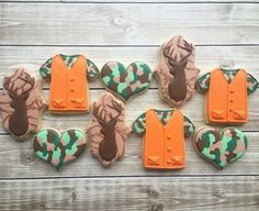 Hunting cookies #camouflage #hunting Fish Cookies, Cute Cookies, Sugar Cookies, Cookies Et Biscuits, Man Cookies, Duck Hunting Decor, Hunting Lodge Decor, Camouflage Party, Diy Birthday Decorations