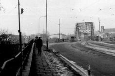 Podgórze 1980/81. Zdjęcia Mariusza Undasa i Jerzego Szeligi.Most T.Kościuszki