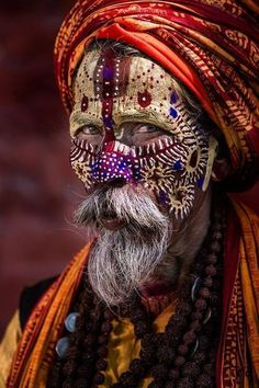 The Golden Year Collection: Photo - Body Painting Beautiful World, Beautiful People, Arte Peculiar, Tribal Face, The Golden Years, Interesting Faces, World Cultures, People Around The World, Face Art