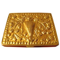 powder box in gilt-bronze by Line Vautrin, signed