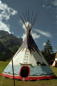 6,5 m Huski-Tipi Outdoor Gear, Fair Grounds, Travel, Atelier, North America, Native Americans, Outdoor Camping, Viajes, Destinations