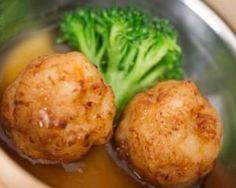 Boulettes de poisson vapeur allégées et sauce pimentée façon thaïe : http://www.fourchette-et-bikini.fr/recettes/recettes-minceur/boulettes-de-poisson-vapeur-allegees-et-sauce-pimentee-facon-thaie.html