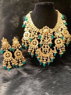 NC jewelry vendor that offers jewelry for sale and bridal jewelry for rent at affordable rates. Indian Jewellery Design, Indian Jewelry, Jewelry Design Earrings, Jewelry Art, Selling Jewelry, Bridal Sets, Headpiece, Bridal Jewelry, Cooking Recipes