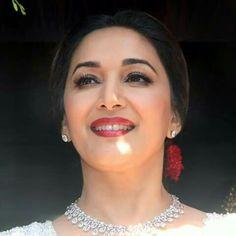 Résultat d'images pour Madhuri dixit Madhuri Dixit, Timeless Beauty, My Beauty, Preity Zinta, Karisma Kapoor, Aamir Khan, Rani Mukerji, Ethereal Beauty, Bollywood Stars