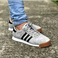 adidas Samoa tal how about this classic? Addidas Sneakers, Sneakers Mode, Adidas Shoes, Sneakers Fashion, Fashion Shoes, Mens Fashion, Addidas Shoes Mens, Men Sneakers, Adidas Samba