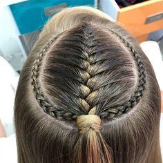 Qué tal está hermosa #trenza para hoy en #colorin #peluqueria #braids #braid #trança #tresses #treccia #hairsandstyles #hairstyle #cucuta