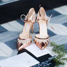 Galet snygga (bröllops)skor!! || Crazy beautiful wedding shoes!! #weddingshoes #mysthave by brollopspodden